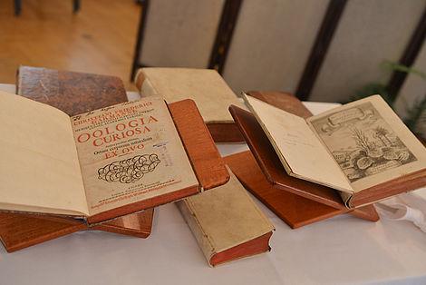 Freundeskreis unterstützt den Ankauf von historischen Büchern 2012 Bild der Historischen Bücher, welche im Rahmen der Jahresveranstaltung am 01. September an die Leopoldina Bibliothek übergeben wurden Foto: Markus Scholz