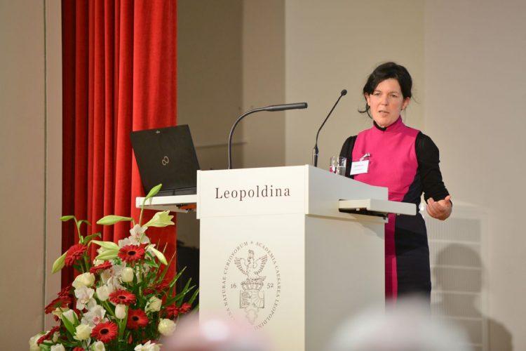 Prof. André bei ihrem Vortrag Foto: Markus Scholz