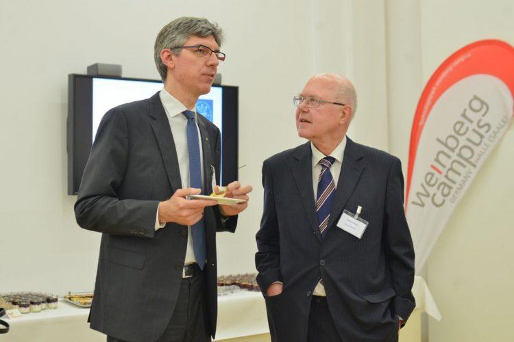 Gemeinsamer Jahresempfang 2016 Prof. Berg im Gespräch mit Prof. Alin-Schäffer Foto: Markus Scholz