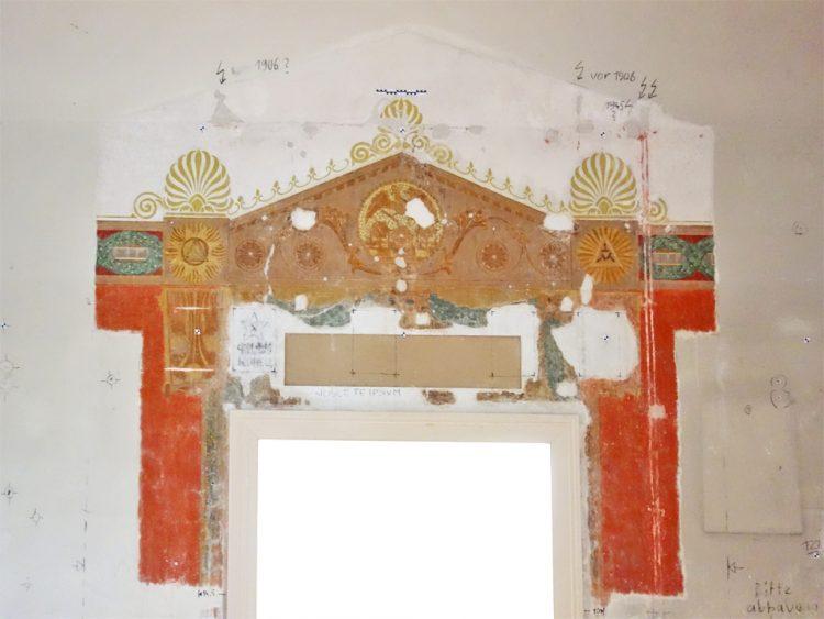 Ummalung der Tempeltür nach Westen