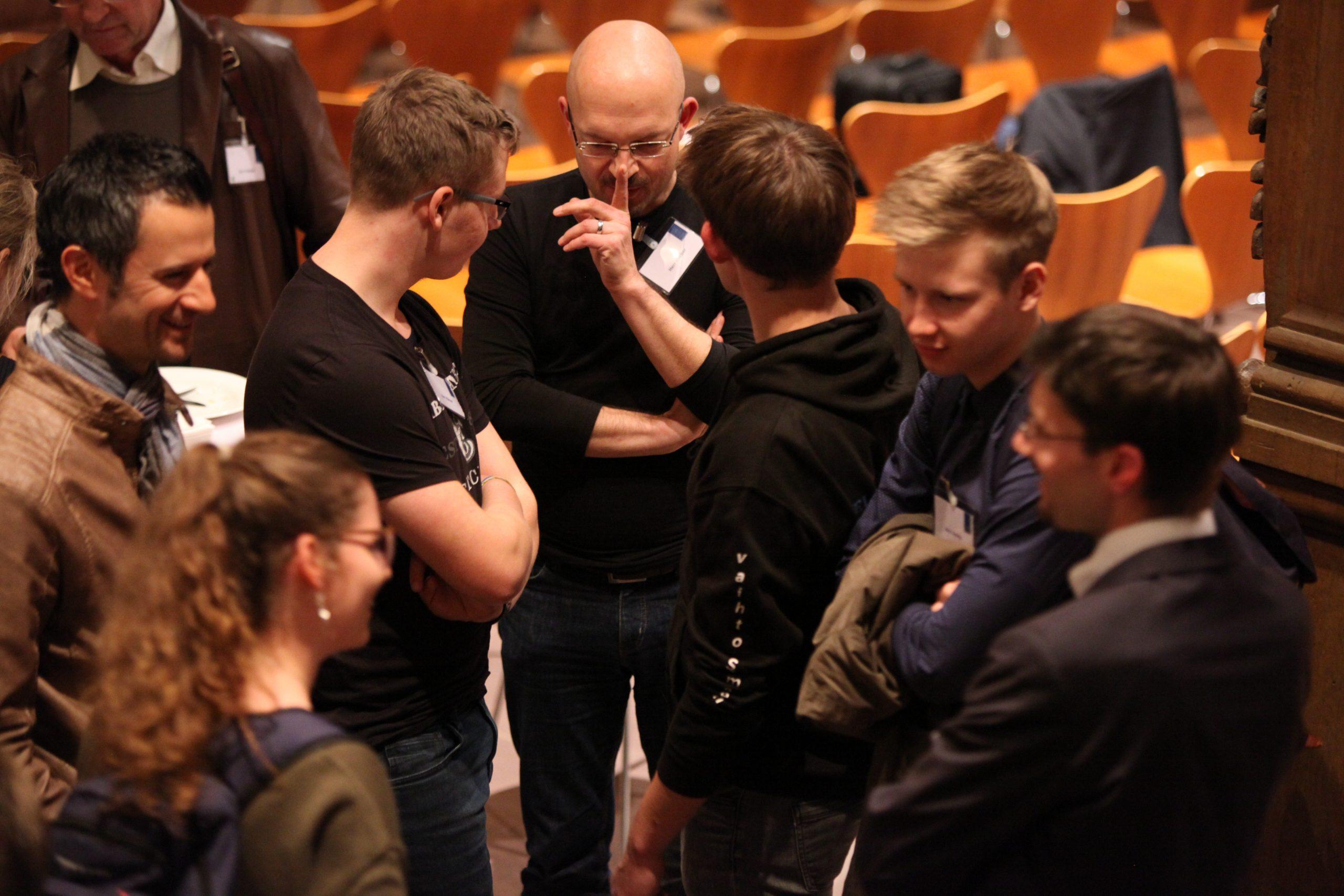 Interessante Gespräche im Anschluss. Foto: Pressebüro Stefan Pfister/Schweinfurt