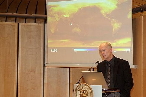 Neuerfindung der Moderne Prof. Dr. Hans Joachim Schellnhuber während seines Vortrags Foto: Markus Scholz