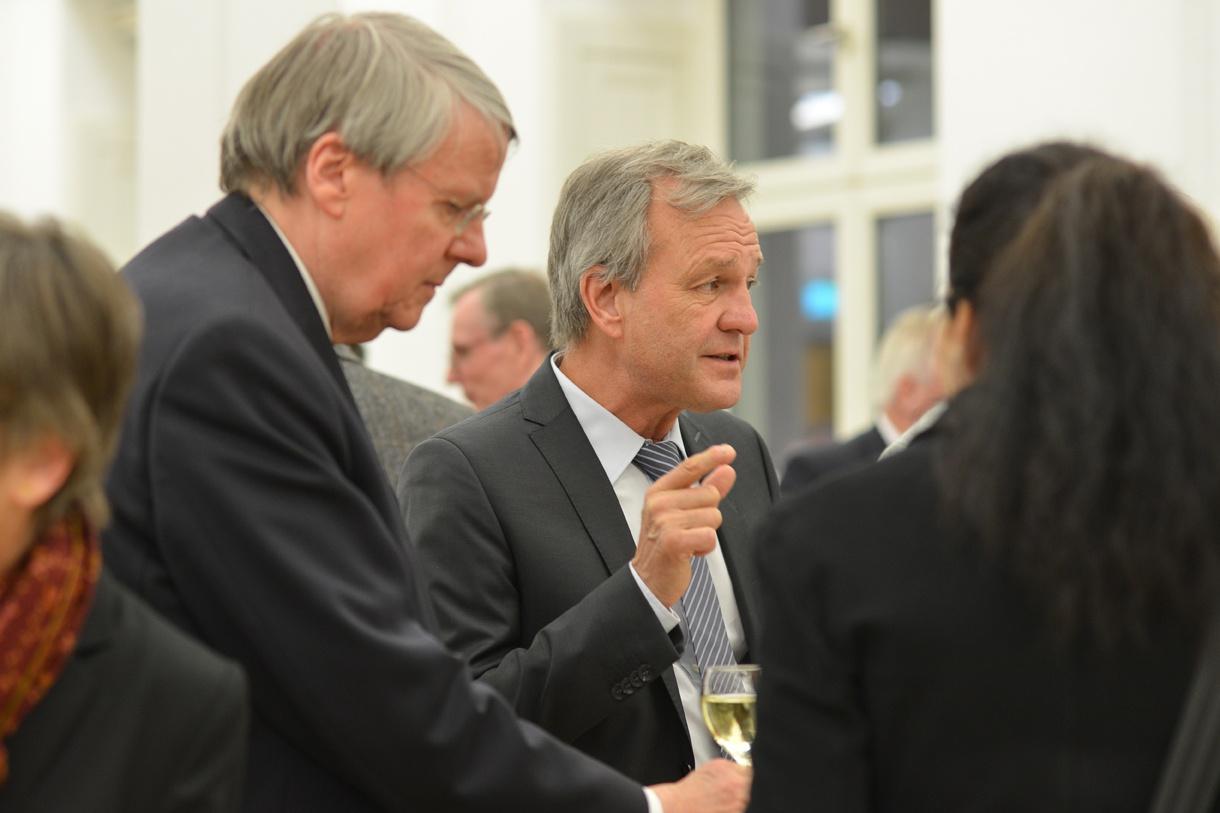 Präsident Jörg Hacker (links) im Gespräch mit Karsten Danzmann Foto: Markus Scholz