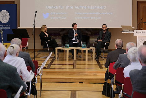 Podiumsdiskussion zum Thema Rückkehr von Wolf und Wisent nach Europa. Foto: Michael Deutsch