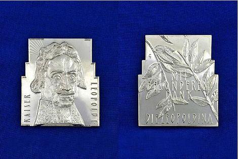 Gestaltung der Kaiser-Leopold I.-Medaille 2012 Die Vor- und Rückseite der Kaiser-Leopold I.-Medaille Foto: Markus Scholz