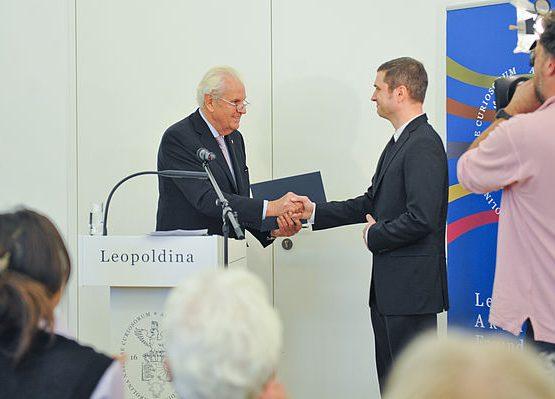 Dr.-Ing. Dietz und Dr. Krämer bei der Urkundenverleihung Foto: Markus Scholz