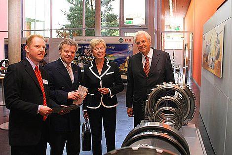 Schweinfurt 2009 Horst Dietz, Gudrun Grieser, Reinhold Ewald (von rechts) Foto: Stefan Pfister