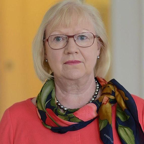 Prof-Dr-Jutta-Schnitzer-Ungefug
